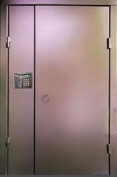 Полуторная  двухлистовая утепленная дверь c шумоизоляцией 1200 на 2100 мм.